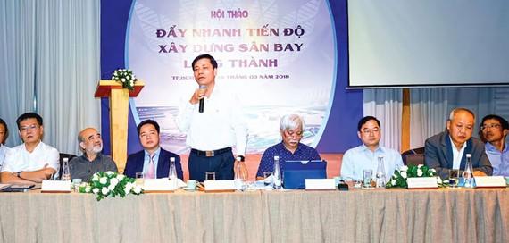 Thứ trưởng Bộ Giao thông-Vận tải Nguyễn Ngọc Đông phát biểu tại Hội thảo. Ảnh: ĐỨC TRUNG