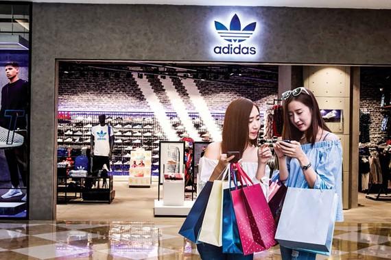 Adidas vào Việt Nam với vai trò nhà phân phối bán buôn theo mô hình của nhà bán lẻ, nên khó phát hiện việc chuyển giá.