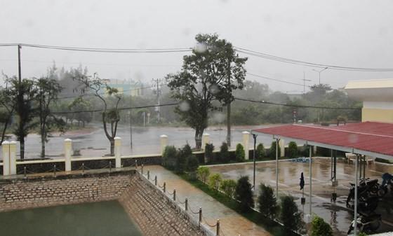 Tiếp tục mưa lớn ở khu vực Trung bộ và miền Đông Nam bộ