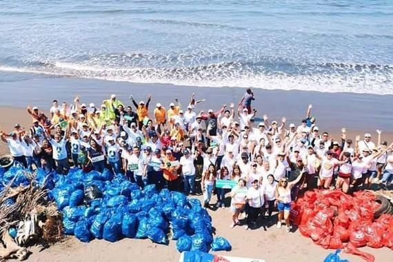 Hàng loạt những chương trình, dự án bảo vệ môi trường đã thu hút sự đồng thuận tham gia hưởng ứng của đông đảo người dân.