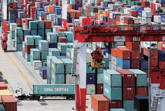 Hàng xuất khẩu Trung Quốc tăng trong tháng 10. Ảnh: China Daily
