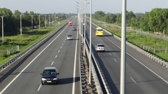Thường vụ Quốc hội họp phiên đặc biệt về cao tốc Bắc-Nam