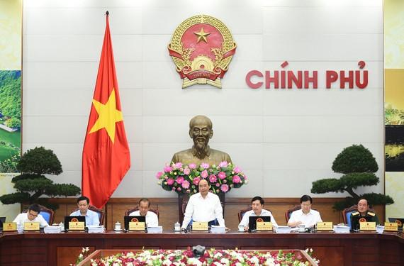 Thủ tướng chủ trì phiên họp Chính phủ thường kỳ tháng 5/2017.
