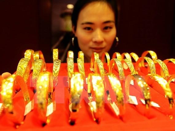 Chênh lệch giá vàng trong nước-thế giới nới rộng