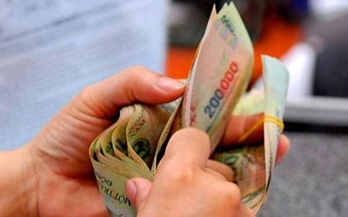 Tăng lương cơ sở từ 1-7: Lo ngại giá chạy trước lương