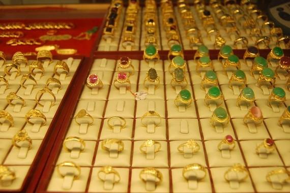 Giá vàng trong nước đồng loạt tăng theo vàng thế giới