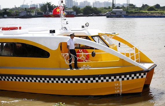 Buýt thủy là một trong những loại hình vận tải hành khách công cộng đang được ưu tiên phát triển
