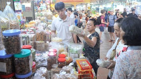 Thị trường tết: Hàng hóa nhiều, giá giảm nhẹ