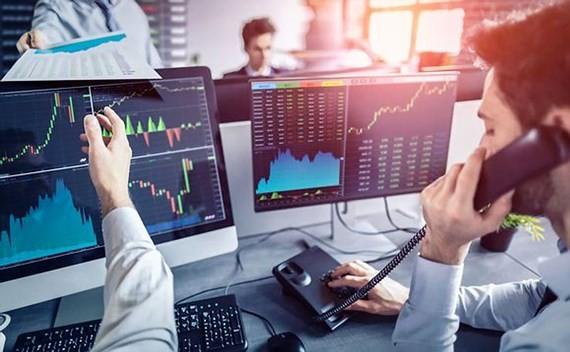 Các nhà đầu tư lo ngại khi thị trường chứng khoán toàn cầu lao dốc