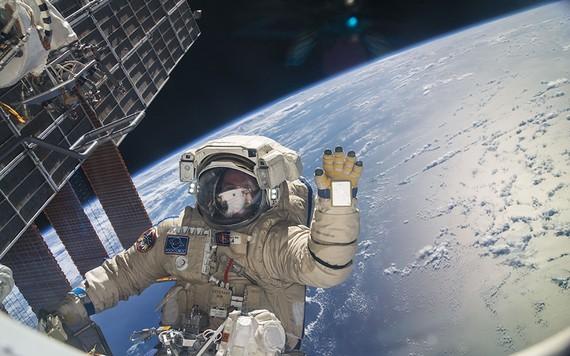 NASA sẽ đưa ra báo cáo ngân sách vào ngày 12/2 dự kiến bao gồm cả đề xuất sẽ ngừng tài trợ cho trạm vũ trụ quốc tế, để tái tập trung vào các nhiệm vụ nghiên cứu trên Mặt trăng và Sao hỏa.