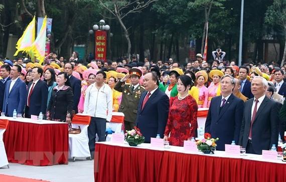 Thủ tướng Nguyễn Xuân Phúc và các đại biểu tại lễ kỷ niệm. (Ảnh: Thống Nhất/TTXVN)