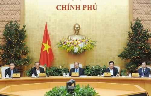 Thủ tướng Nguyễn Xuân Phúc và các Phó Thủ tướng họp Thường trực Chính phủ sau kỳ nghỉ Tết Nguyên đán Mậu Tuất. Ảnh: VGP