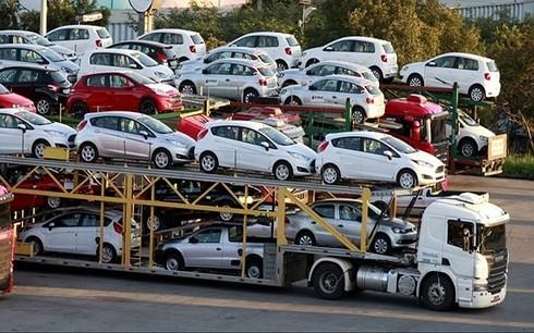 Tổng cục Hải quan yêu cầu tăng cường công tác kiểm tra trị giá hải quan mặt hàng ô tô nhập khẩu (Ảnh minh họa: KT)