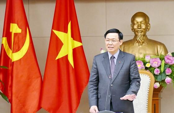 Phó Thủ tướng Vương Đình Huệ phát biểu tại buổi làm việc. Ảnh: VGP/Thành Chung