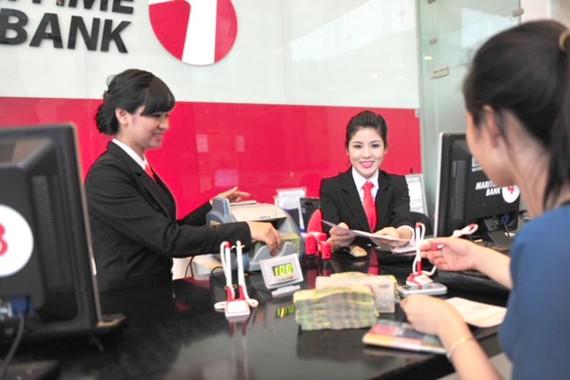 Khách hàng Maritime Bank có thể kiểm tra sổ tiết kiệm tại nhà