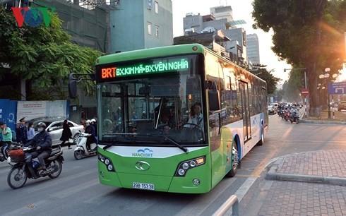 Vì sao Hà Nội dừng triển khai tuyến xe buýt nhanh thứ 2?