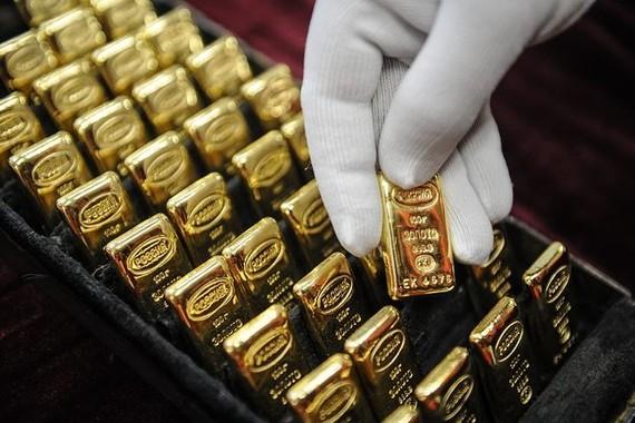 Giá vàng SJC nối tiếp đà suy giảm