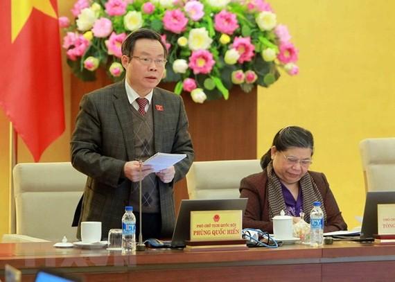 Phó Chủ tịch Quốc hội Phùng Quốc Hiển phát biểu ý kiến. (Ảnh: An Đăng/TTXVN)