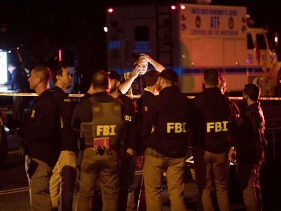 Các đặc vụ FBI tại hiện trường vụ nổ bom ở Austin ngày 18.3