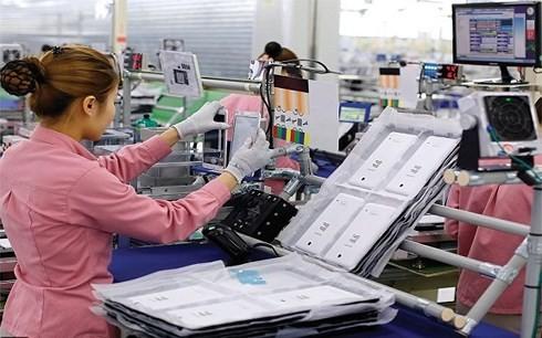 Tăng trưởng kinh tế Việt Nam còn dựa nhiều vào khu vực FDI (Ảnh minh họa: KT)