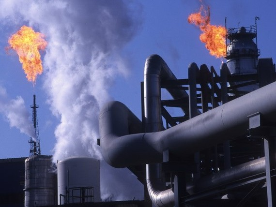 Giá dầu có thể chạm mức 150 USD mỗi thùng