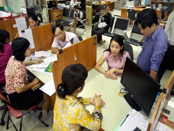 'Cõng' 63.000 lao động vượt quy định, ngân sách tốn 800 tỷ đồng