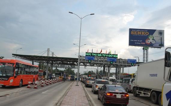 Phó Thủ tướng yêu cầu rà soát trạm BOT để giảm phí dịch vụ đường bộ