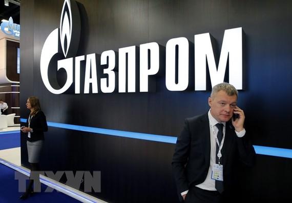 Logo của công ty Gazprom. (Nguồn: EPA/TTXVN)