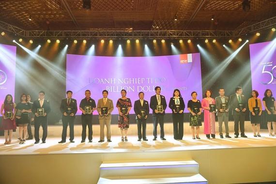 """Vietjet dẫn đầu """"50 Công ty kinh doanh hiệu quả nhất Việt Nam"""" 2017"""