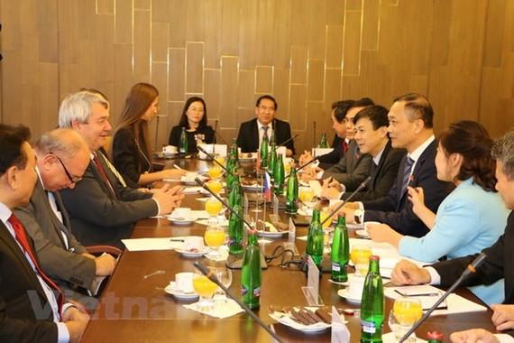 Việt Nam sẵn sàng là cầu nối cho Séc tiếp cận thị trường ASEAN