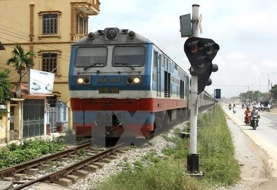 Lỗ nặng, đường sắt xin hỗ trợ giá duy trì chạy tàu an sinh