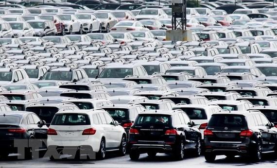 Ôtô tại cảng Bremerhaven, miền bắc Đức. (Nguồn: EPA/TTXVN)