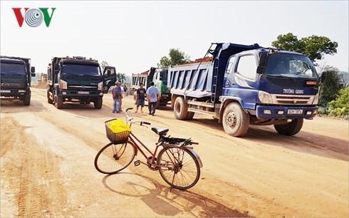 Người dân liên tục cản trở thi công đoạn Tam Kỳ- Quảng Ngãi.