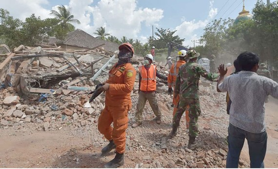 Thêm trận động đất làm rung chuyển đảo Lombok, Indonesia