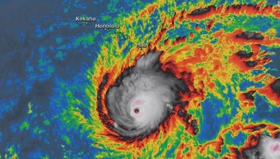 Chính quyền Hawaii đóng cửa vì siêu bão