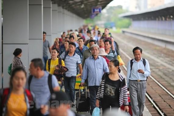 Ngành đường sắt đưa đoàn tàu Bắc-Nam 5 sao vào vận hành, khai thác được hành khách đánh giá cao về chất lượng dịch vụ. (Ảnh: Minh Sơn/Vietnam+)