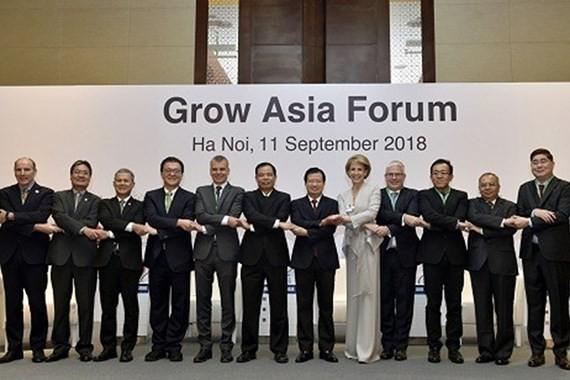 Các diễn giả tham gia Diễn đàn Tăng trưởng Châu Á 2018. Ảnh: VGP