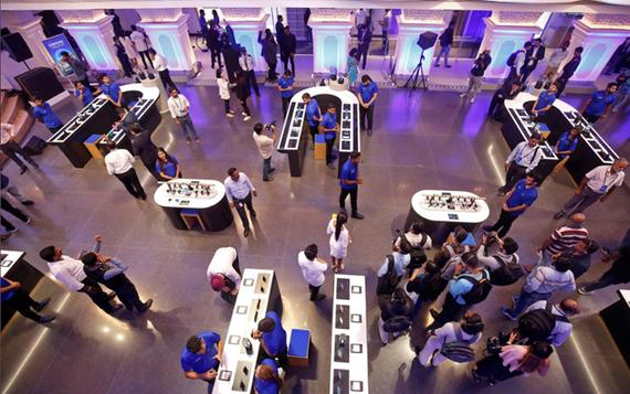 Samsung tăng đầu tư ở Ấn Độ, mở cửa hàng điện thoại lớn nhất thế giới