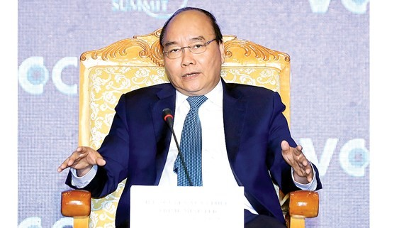 Thủ tướng Nguyễn Xuân Phúc phát biểu tại hội nghị Thượng đỉnh Kinh doanh Việt Nam