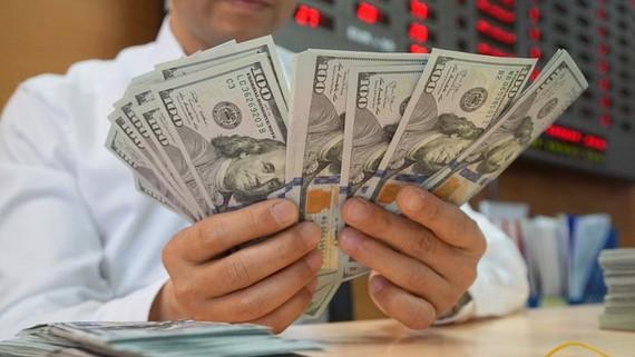 Tỷ giá ngoại tệ ngày 21/9: Giá USD thế giới giảm, trong nước tăng