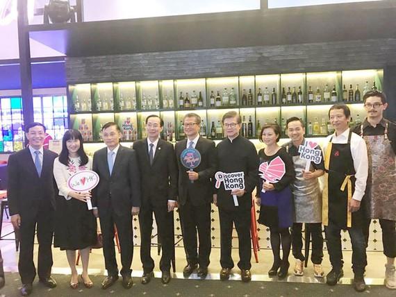 Lãnh đạo UBND TPHCM và đại diện Hồng Kông  sự kiện.