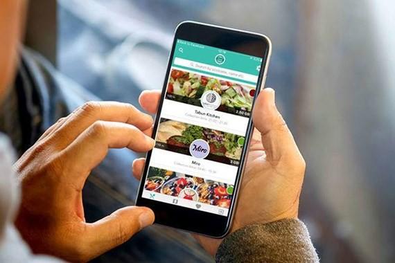 Chọn món ăn qua ứng dụng Too Good To Go