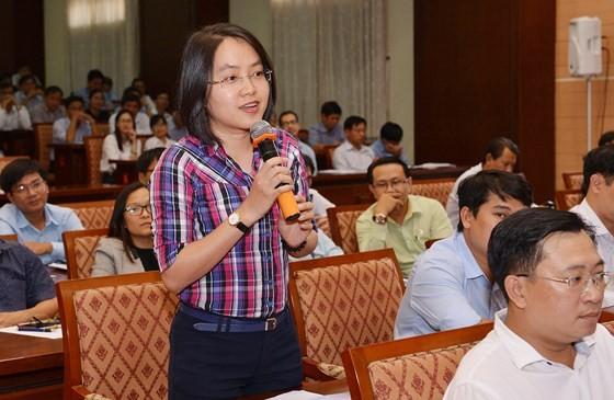 Cán bộ trẻ phát biểu ý kiến trong buổi Thường trực Thành ủy TPHCM gặp gỡ cán bộ nguồn quy hoạch. Ảnh:  VIỆT DŨNG