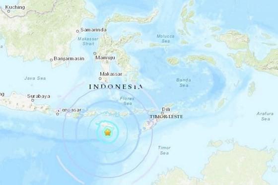 Trận động đất ban đầu có cường độ ban đầu là 6,2 độ Richter xảy ra cách đảo Flores của Indonesia khoảng 250km về phía tây nam , sau đó USGS đã hạ cường độ xuống còn 5,9 độ Richter. Ảnh: USGS