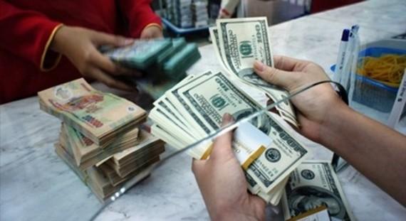 Tỷ giá ngoại tệ ngày 3/10: USD vụt tăng
