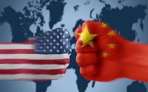 Chiến tranh thương mại Mỹ - Trung tác động tới kinh tế Việt Nam theo hai hướng, thuận lợi và không thuận lợi (Ảnh minh họa: KT)