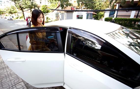 Bộ GTVT muốn quản lý Grab, Go-Viet như taxi truyền thống