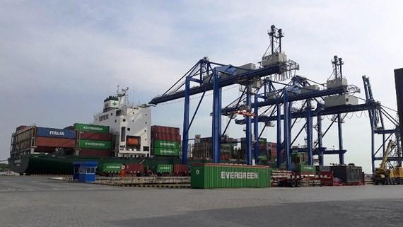 Cảng Phú Hữu.