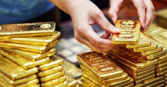 Giá vàng SJC giảm khi vàng thế giới tăng vọt cao nhất 3 tháng