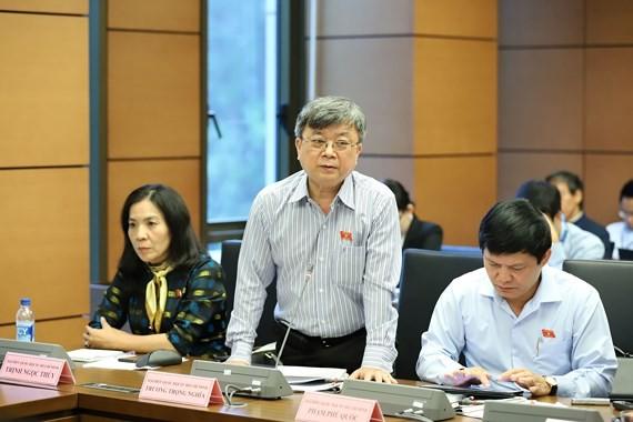 Đại biểu Trương Trọng Nghĩa phát biểu tại tổ sáng nay 12-11